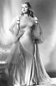 Ann Sheridan - impressive tailoring