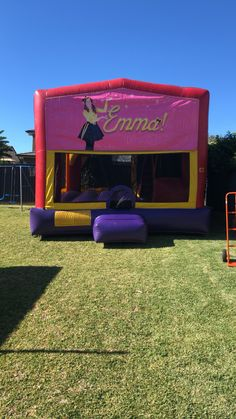 Our Emma Extra Large Combo Jumping Castle, perfect for your themed parties, This jumping castle is large enough to accommodate adults too. It has roof that can protect the kids from the sun and light rain. Hire now and get 5% off of your purchase. #bouncingcastle #jumpingcastle #partyhiresydney #funtimepartyhire