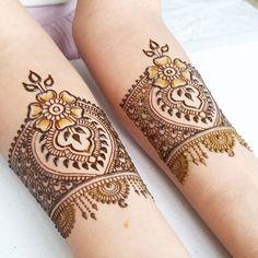 18 Best Bajuband Mehndi Designs to Decorate Your Arms With - Mehndi YoYo Henna Designs Arm, Hena Designs, Beautiful Henna Designs, Best Mehndi Designs, Henna Tattoo Designs, Mehandi Designs, Mehandi Henna, Henna Ink, Henna Body Art