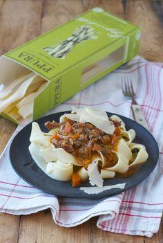 Ragout Bolognese-Art und beste Pasta für einen wirklich guten Zweck! Ragout Bolognese, Pasta, Tortellini, Ravioli, Gnocchi, Pudding, Ethnic Recipes, Desserts, Food