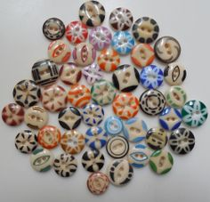 "47 ANTIQUE CHINA STENCIL BUTTONS - DIFFERENT PATTERNS AND COLORS   47 DIFFERENT ANTIQUE CHINA STENCIL BUTTONS ,7/16""-11/16"" , VERY GOOD CONDITION  SOLD $45.88"