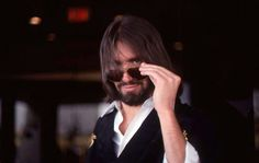 The official Dan Fogelberg website. Dans Fans, Vince Gill, Run For The Roses, Auld Lang Syne, I Miss Him, My Muse, Past Life, Just Smile, Music Love