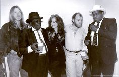 Gregg Allman, John Lee Hooker, Bonnie Raitt, Joe Cocker and Willie Dixon    FAN FREAKIN TASTIC!