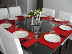 Mesa Navideña Table Settings, Dining Tables, Tableware, Christmas, House, Christmas Tables, Setting Table, Table Arrangements, Houses