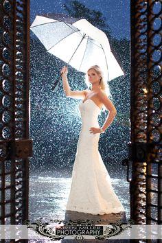 Bill_Millers_Castle_ wedding rain umbrella pics rainy wedding day photos