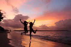 Disse aktive rejser for unge ml. 18-30 år, går til byen Ubud midt på Bali og er omgivet af det mest idylliske landskab. Ubud er kendetegnet ved at være Balis kulturmekka, og samtidig et spirituelt sted. På programmet er bl.a. meditation, yoga, eventyr, wellness, rafte, trekke, cykle, turkisblåt vand og hvide sandstrande... Vælg imellem: 16. oktober - 6./13. november 2016 12. februar - 5./12. marts 2017 9. april - 30. april/7. maj 2017 6. august - 27. august/3. september 2017 15. oktober…