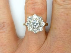 Stunning Diamond cluster engagement ring 18ct by antiquejewelbox