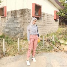 Hijab Style, Casual Hijab Outfit, Ootd Hijab, Casual Outfits, Korean Outfits, Retro Outfits, New Outfits, Fashion Outfits, Womens Fashion