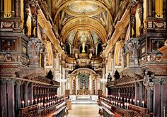 Google Image Result for http://www.goldentours.com/userfiles/image/Article%2520Images/Interior_St_Pauls_Cathedral_132_175.jpg