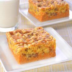 Pumpkin Cinnamon Crunch Cake (Easy; 20 servings) #pumpkin #cinnamon #cake #dessert