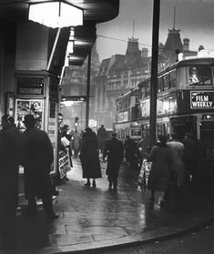 Wolfgang Suschitzky, St. Giles Circus, Charing Cross Road (1937), London, UK