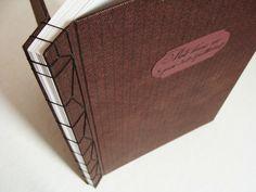 livre or reliure japonaise Handmade Notebook, Handmade Journals, Handmade Books, Binding Covers, Book Binding, Japanese Binding, Art Pariétal, Drug Design, Mini Albums Scrap