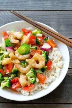 This shrimp and broccoli stir fry is a delicious, healthy dinner recipe full of nutritious ingredients and flavor. Recipe from realfoodrealdeals.com