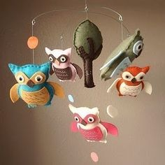 I love this cute owl mobile!