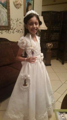 Vestido de Primera Comunion. CARLOTA DE LOVO