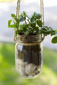 gartendeko ideen einmachgläser pflanzenbehälter aufhängen Mehr
