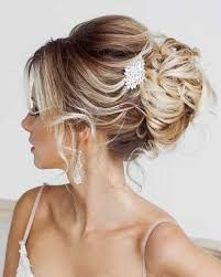 Wedding Hairstyles And Romantic Bridal Updos ❤︎ Wedding planning ideas & inspiration. Wedding dresses, decor, and lots more. Simple Wedding Updo, Romantic Bridal Updos, Hairdo Wedding, Romantic Hairstyles, Wedding Hairstyles For Long Hair, Wedding Hair And Makeup, Bride Hairstyles, Bridal Hair, Bridal Headpieces