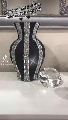 Diy Crafts Hacks, Diy And Crafts, Wedding Reception Party Favors, Glam Bedroom, Bedroom Decor, Family Wall Decor, Black Vase, Dollar Tree Crafts, Diy Wedding Decorations