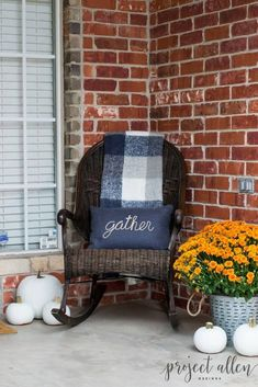 Rocking into Fall with a Cozy Throw Decorating On A Budget, Porch Decorating, Front Porch Plants, Building A Porch, House With Porch, Front Door Decor, Rustic Farmhouse, Farmhouse Front, Decor Ideas