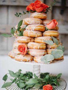 Tea Party Bridal Shower, Bridal Shower Party, Elegant Bridal Shower, Wedding Shower Foods, Food For Bridal Shower, Bridal Party Foods, Bridal Luncheon, Tea Party Decorations, Bridal Shower Decorations