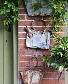 Smashed Bucket Wall Decor.... To | http://gardendecoratingbeforeandafter.blogspot.com