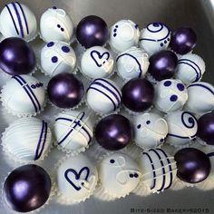 Purple Metallic Cake Balls Purple Cake Pops, Purple Cakes, Lollipop Cake, Cupcake Cakes, Cupcake Gift Baskets, Chocolates, Chocolate Bouquet Diy, Metallic Cake, Candy Drinks
