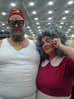 Gravity Falls (cute married cosplayers gosh!!)