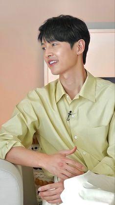 Song Joong Ki Cute, Song Joon Ki, Dramas, Song Hye Kyo, Celebs, Celebrities, Boyfriend Material, Ikon, Korean Actors