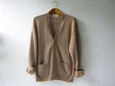 vintage oversized cardigan sweater. boyfriend sweater. oatmeal wool cardigan.