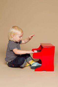 Vilac red piano