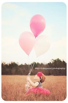 this is adorable, for 1 year old birthday shoot? this is adorable, for 1 year old birthday shoot? 1 Year Pictures, First Year Photos, Baby Pictures, Family Photos, Balloon Pictures, Old Photography, Birthday Photography, Toddler Photography, Balloons Photography