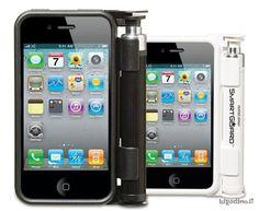 nuova cover con spray al peperoncino incorporato  http://bigodino.it/tecnologia/altola-aggressore-arriva-smartguard.html