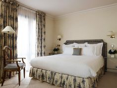 Junior Suites at Hotel de Vigny in Paris, 5-star hotel two steps away from the Champs Elysees
