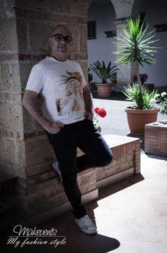 Giovaniebelli Italianstyle è uno stato d'essere che diventa stile di vita per ogni età grazie all'idea di Davide Capriglione, giovanissimo ragazzo ha lanciato sul mercato un nuovo brand di abbigliamento maschile ricco di capi freschi, frizzanti, dalle grafiche e modelli accattivanti.
