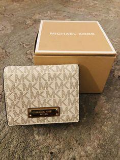 Michael Kors Jet Set Wallet for sale online Canvas Handbags, Cheap Handbags, Purses And Handbags, Leather Luggage Tags, Coin Wallet, Cute Purses, Mini Crossbody Bag, Michael Kors Jet Set, Leather Shoulder Bag