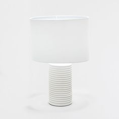Recommended max. 60 W bulb. If the external cable or cord of the lamp gets damaged, to avoid risk, it must only be replaced by a qualified electrician.