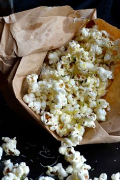 You are going to love this Rosemary Parmesan Popcorn and its easy fat-free method of popping popcorn! You'll never buy those bags of chemicals again!