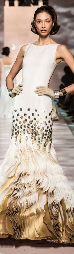 Georges Chakra Spring Summer 2015 Haute Couture Collection - Share The Looks Fashion Week, Look Fashion, Runway Fashion, Fashion Design, Rihanna, Beyonce, Georges Chakra, Haute Couture Dresses, Haute Couture Fashion
