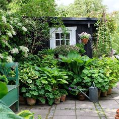 95 Beautiful Front Garden Cottage Garden Landscaping Ideas - All For Garden Small Cottage Garden Ideas, Cottage Garden Design, Backyard Cottage, Small Garden Planting Ideas, Garden Ideas For Small Spaces, Plants For Small Gardens, Urban Garden Design, Vegetable Gardening, Amazing Gardens