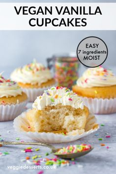 These vegan vanilla cupcakes are so light and fluffy that nobody would guess that they& eggless and dairy free! It& a super easy recipe that& light, moist and delicious. You only need 7 ingredients and 20 minutes! Vegan Cupcake Recipes, Dairy Free Cupcakes, Vegan Vanilla Cupcakes, Vanille Cupcakes, Vegan Lemon Cake, Dessert Recipes, Healthy Cupcakes, Healthy Desserts, Healthy Food
