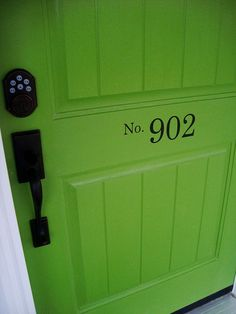moral of the story - I MUST have a green front door. {ps I also LOVE the house number on the door}
