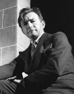 Rains was asked if he learned his lines by looking at a mirror he laughed. I couldn't look at this face all the time. I analyze lines, see what's behind them, rip them apart, toss. Hollywood Actor, Hollywood Stars, Classic Hollywood, Old Hollywood, Classic Actresses, Actors & Actresses, I Movie, Movie Stars, Claude Rains