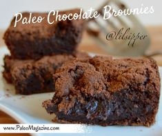 Guilt-Free Paleo Chocolate Brownies Recipe (paleo, dairy-free, vegan) http://paleomagazine.com/paleo-chocolate-brownies-recipe #paleo #gf #glutenfree #recipe #diet