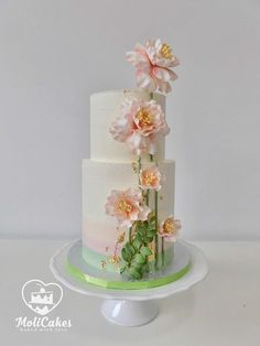 Cream wedding cake  by MOLI Cakes - http://cakesdecor.com/cakes/288573-cream-wedding-cake