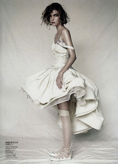 Arizona muse by Paolo Roversi for Vogue china