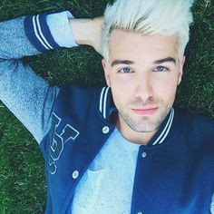 Ombre Hair Color Trends - Is The Silver Style - Stylendesigns Mens Hair Colour, Hair Color, Hair And Beard Styles, Short Hair Styles, Male Face Shapes, Emo Hair, Men's Hair, Wavy Hair, Long Hair
