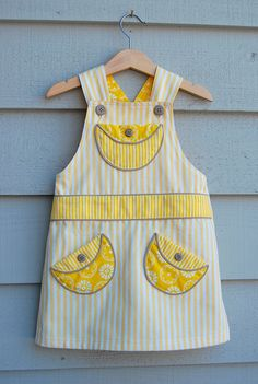 ikat bag: Overalls - Adaptation for Girls free pattern Sewing Kids Clothes, Sewing For Kids, Baby Sewing, Diy Clothes, Sewing Patterns Free, Free Sewing, Clothing Patterns, Free Pattern, Pattern Sewing