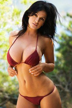 Conoce tú la gran personalidad y carnalidad de la sensual modelo Denise Milani... --- Mon-26-oct-2015-17:10-20º-ksemberg-arg-wind-N24km