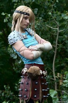 Spot on Astrid cosplay from httyd Astrid Costume, Astrid Cosplay, Epic Cosplay, Disney Cosplay, Amazing Cosplay, Cosplay Outfits, Anime Cosplay, Cosplay Girls, Female Cosplay