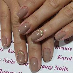 Unhas nude com pérolas!  #unhas #nude #nailsarts #nail #beauty #areferencia